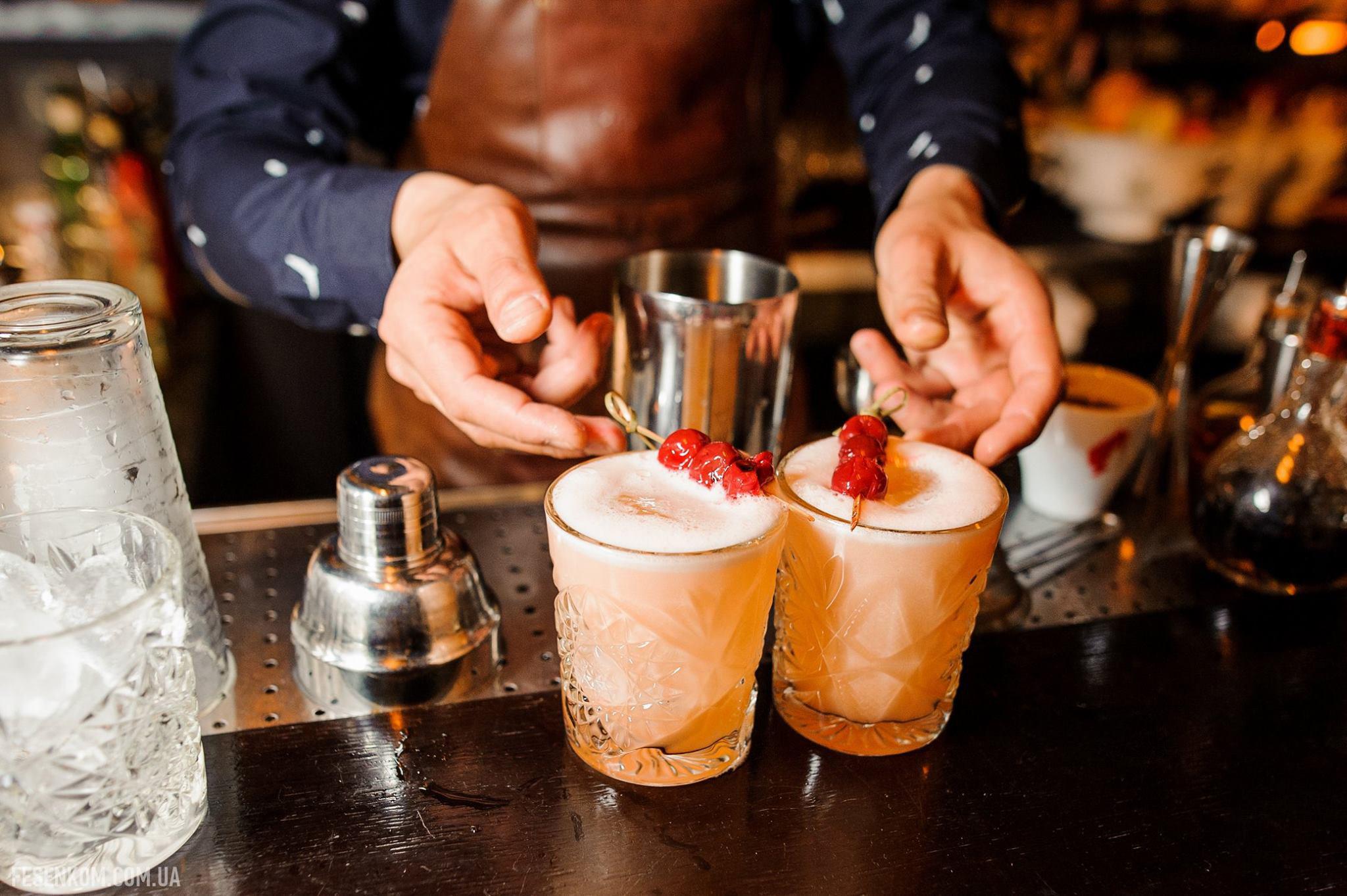 Parovoz Bar in Kiev