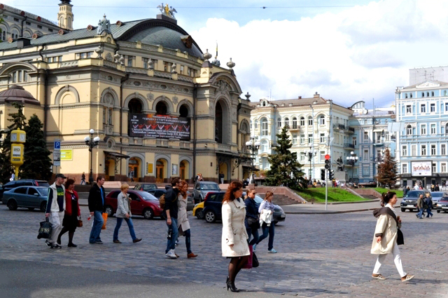 Kiev Opera - worthy to visit. Book private Kiev guide to know more about this sight