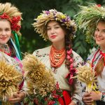 Ukrainian girls in Kiev. Sightseeing tours with female guides