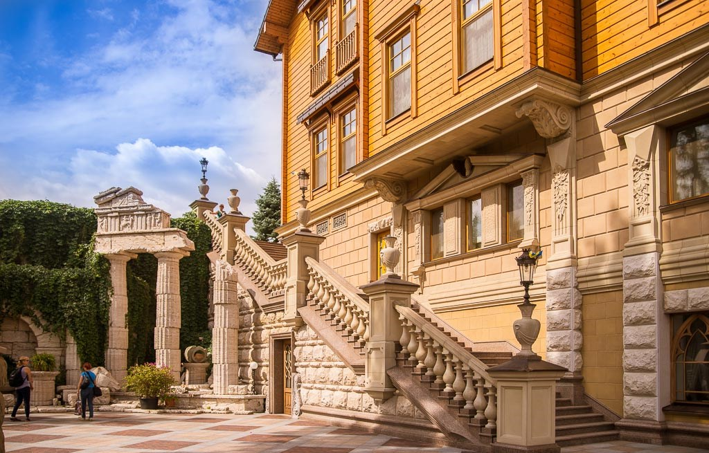 Attractions in Kiev with Guide me UA travel agency