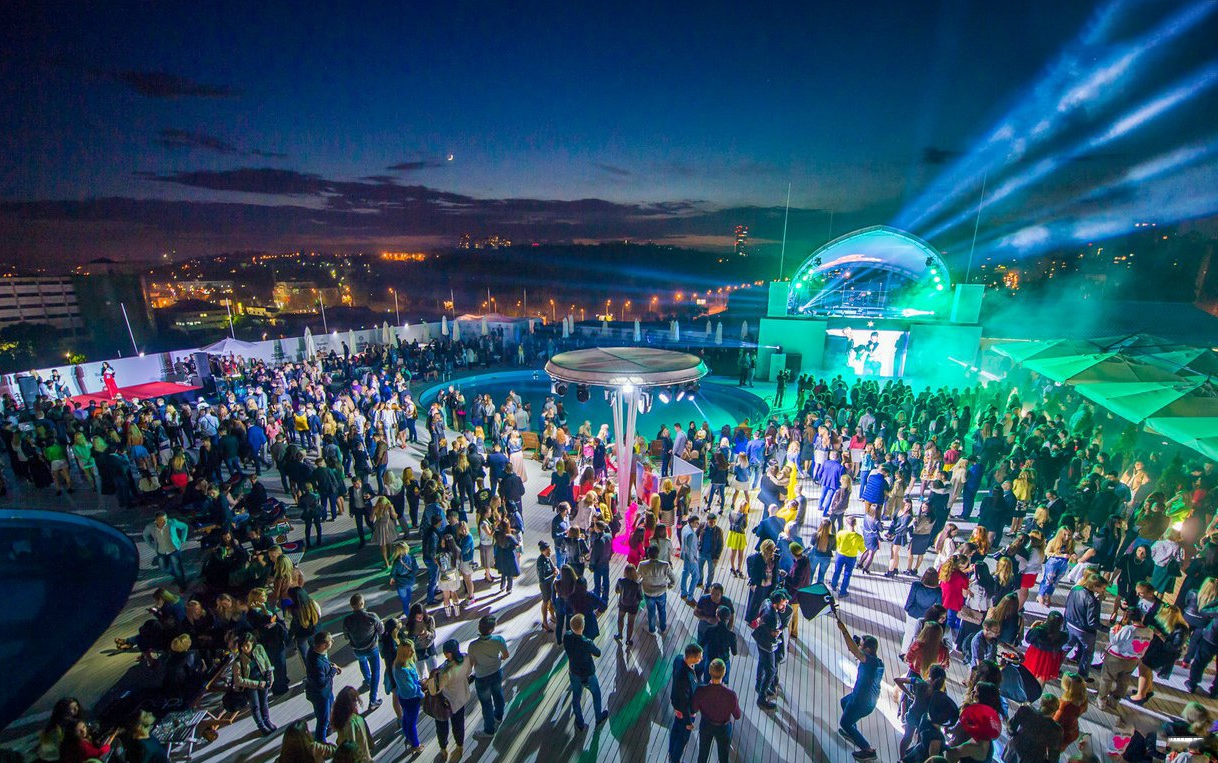 Beach clubs in Kiev - best tours with Guide me UA