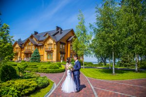 Tour to Mezhyhirya residence of Yanukovych by Guide me UA