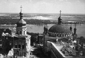 Kiev Pechersk Lavra Tour by Guide me UA