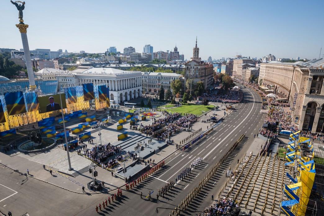 Khreschatyk street in Kiev - where to go? Take a private local by Guide me UA