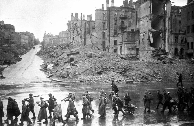 Khreschatyk street - DURING the WAR