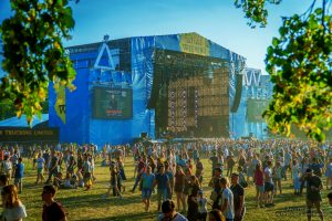Atlas weekend with locals in Kiev - the biggest music festival - Guide me UA