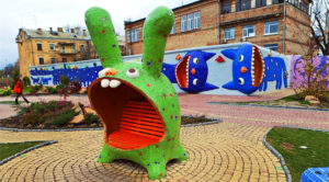 25 unusual monuments in Kyiv