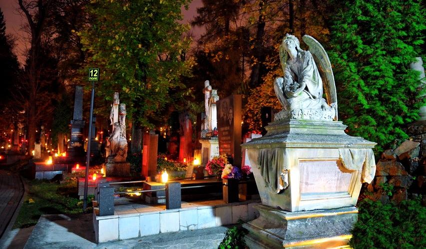 Lychakiv cemetery tour - Lviv Tourist Guide